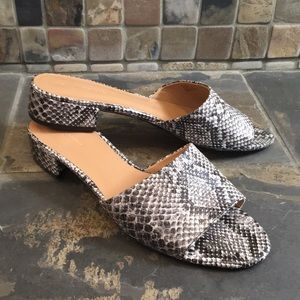 Banana Republic Snakeskin Slip On Sandals Size 9